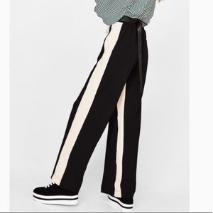BERSHKA Wide-leg trousers with side stripes Small